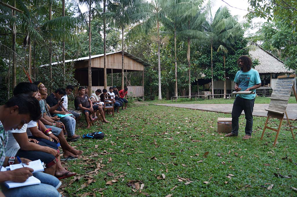 Proteção florestal em terras indígenas do Acre